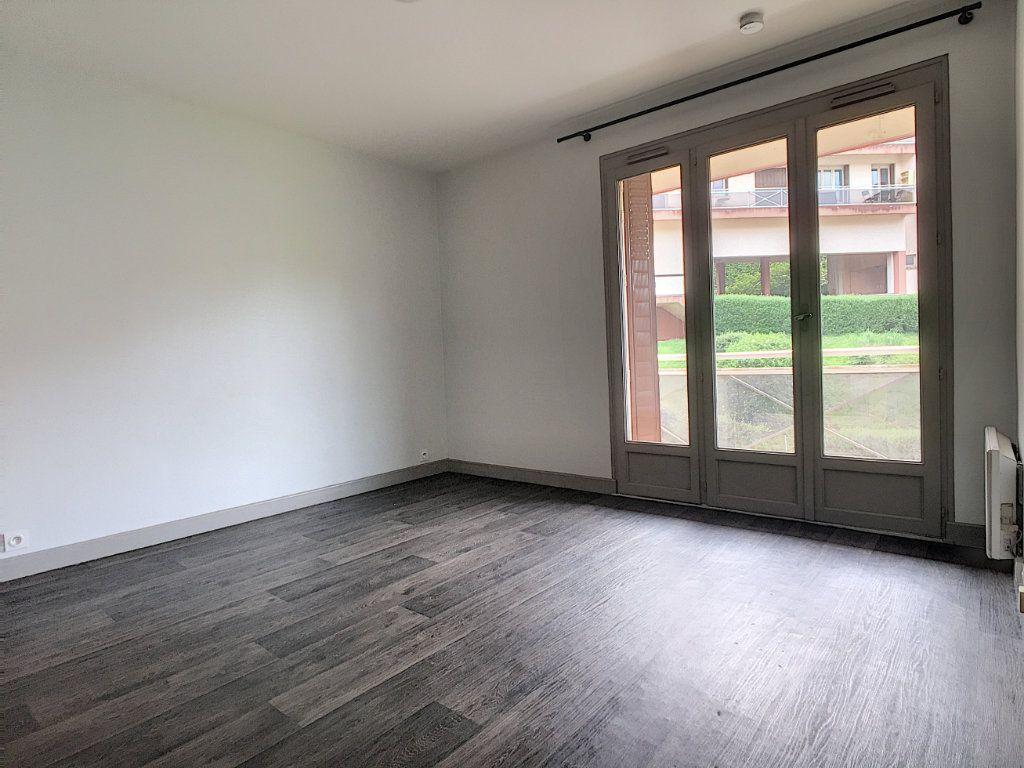 Appartement à louer 1 18.31m2 à Aurillac vignette-3