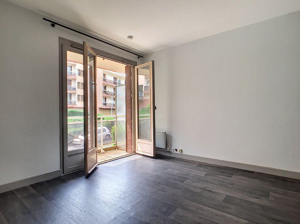 Appartement à louer 1 18.31m2 à Aurillac vignette-4