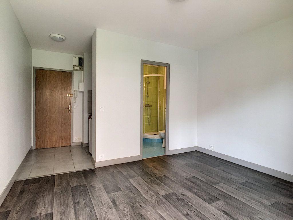 Appartement à louer 1 18.31m2 à Aurillac vignette-5