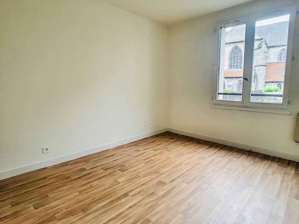 Appartement à louer 5 88m2 à Aurillac vignette-2