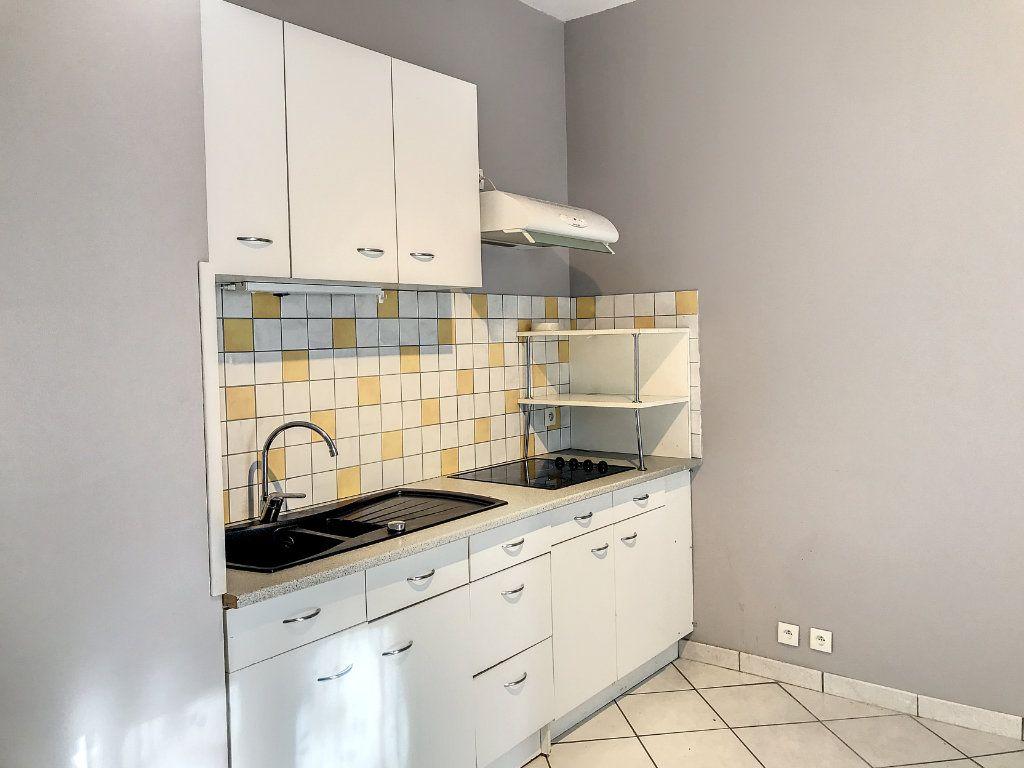 Appartement à louer 2 34.5m2 à Aurillac vignette-4