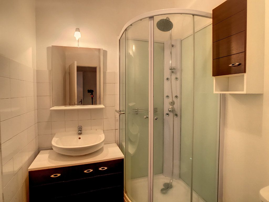Appartement à louer 2 34.5m2 à Aurillac vignette-6