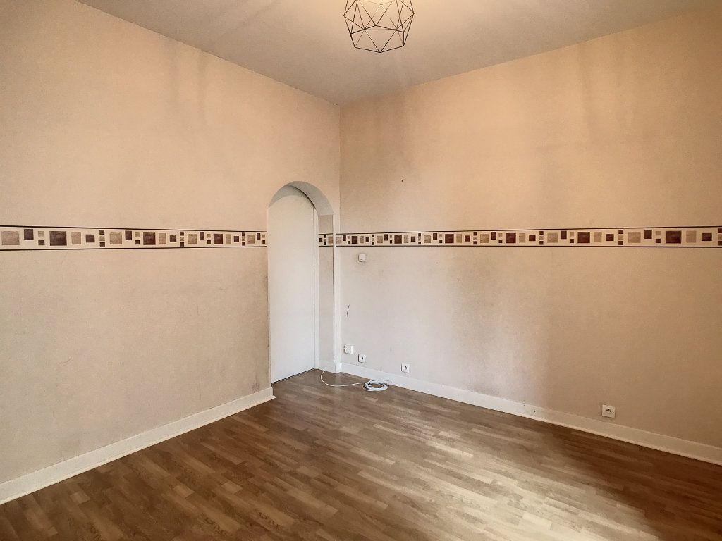 Appartement à louer 2 34.5m2 à Aurillac vignette-9