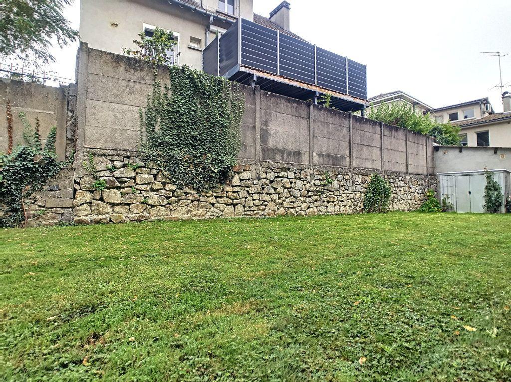 Appartement à louer 2 34.5m2 à Aurillac vignette-11