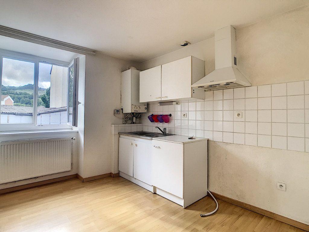 Appartement à louer 2 49.42m2 à Aurillac vignette-1