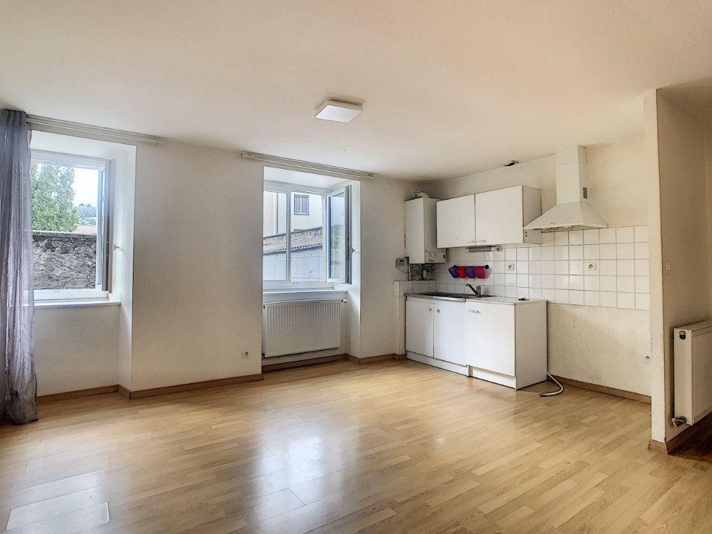 Appartement à louer 2 49.42m2 à Aurillac vignette-3