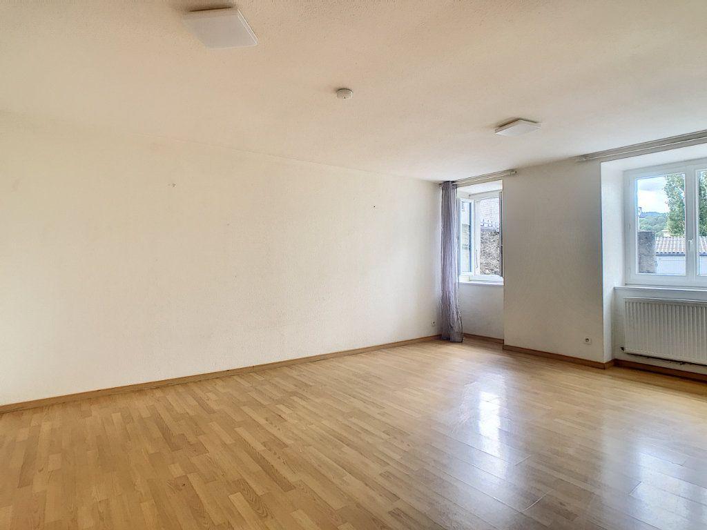 Appartement à louer 2 49.42m2 à Aurillac vignette-4