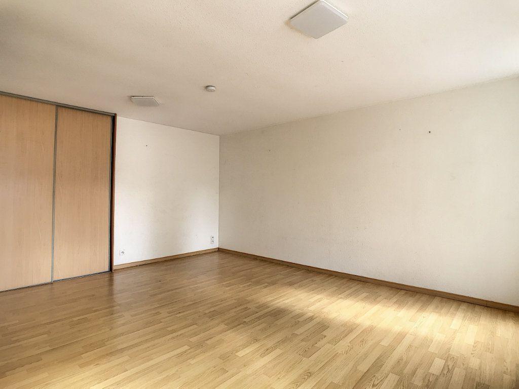 Appartement à louer 2 49.42m2 à Aurillac vignette-5