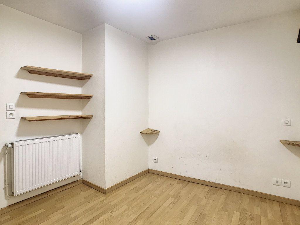 Appartement à louer 2 49.42m2 à Aurillac vignette-8