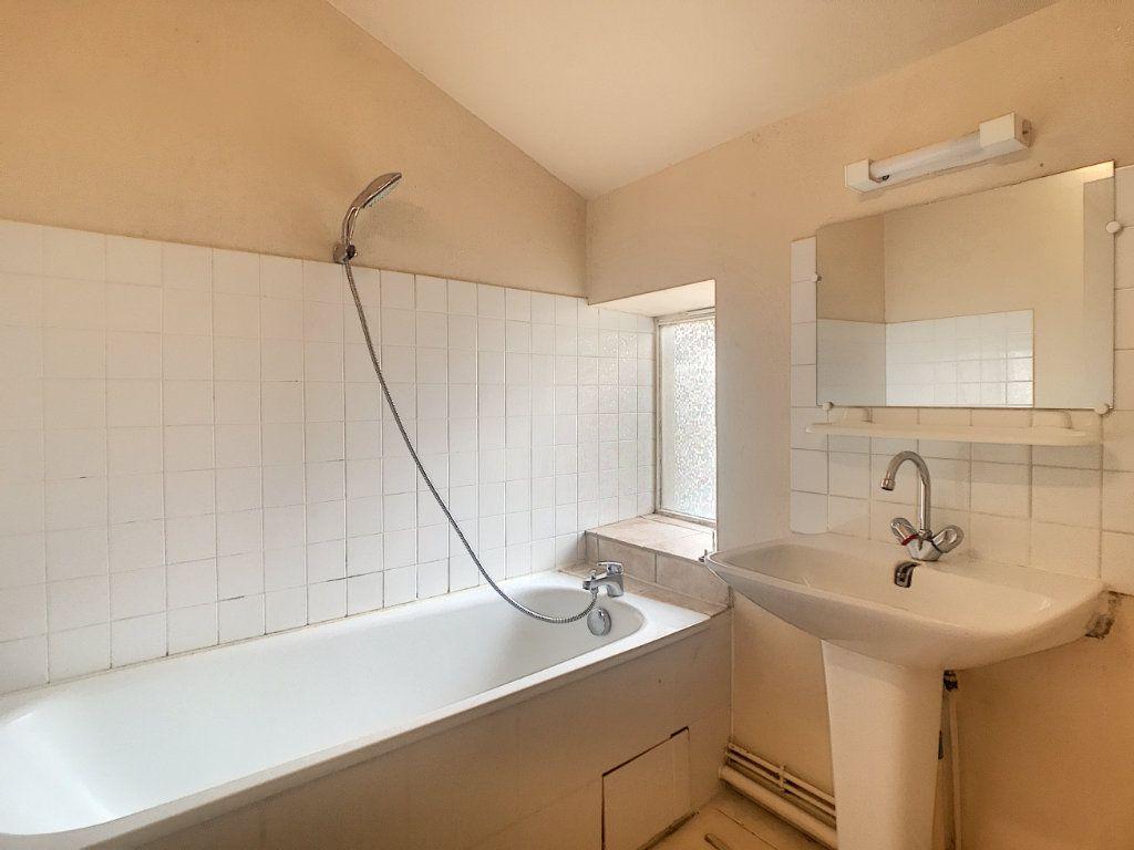 Appartement à louer 3 51m2 à Aurillac vignette-5