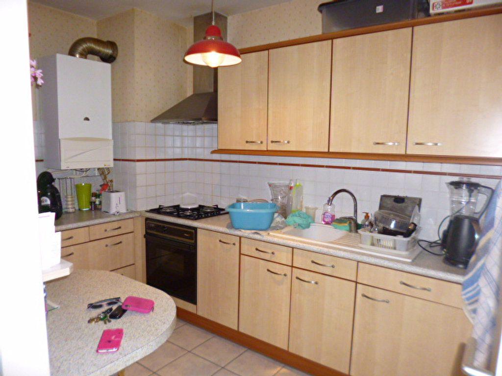 Appartement à louer 2 45.21m2 à Aurillac vignette-2