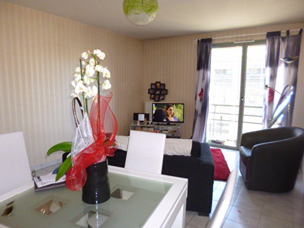 Appartement à louer 2 45.21m2 à Aurillac vignette-3