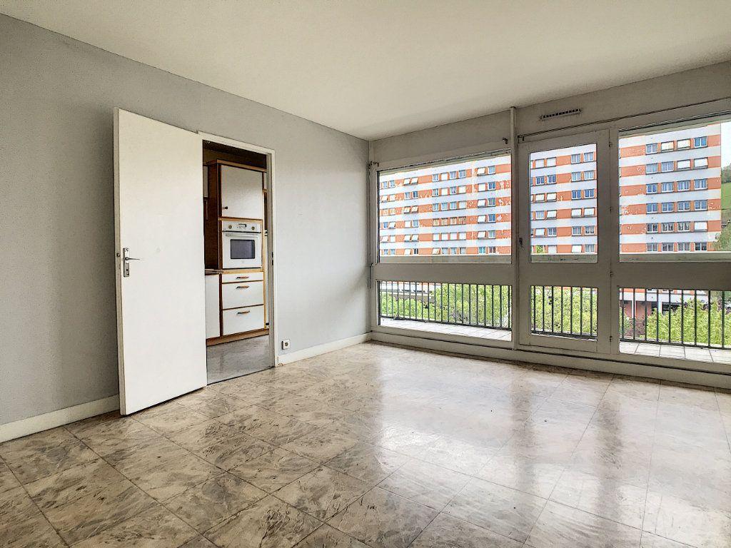 Appartement à louer 2 37.94m2 à Aurillac vignette-3