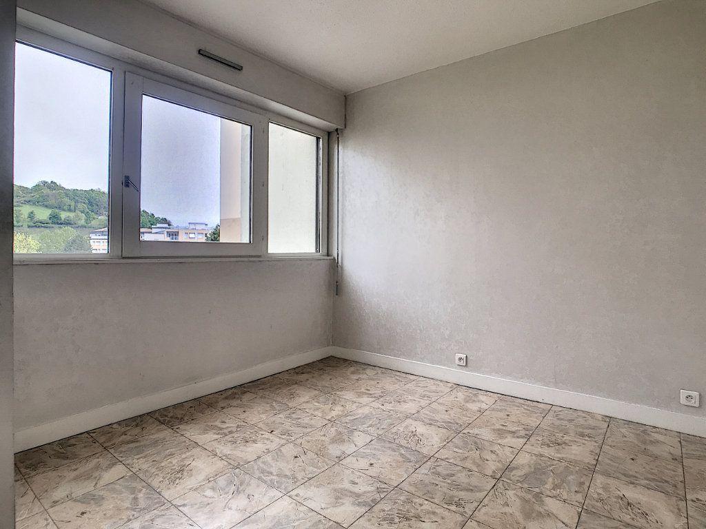 Appartement à louer 2 37.94m2 à Aurillac vignette-4