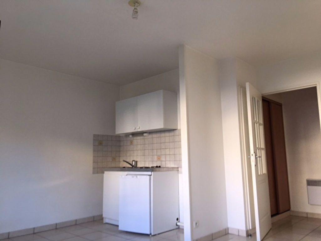 Appartement à louer 2 35.43m2 à Aurillac vignette-2