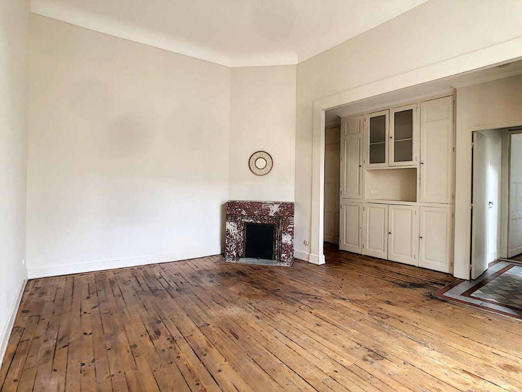 Appartement à louer 2 39.3m2 à Aurillac vignette-1