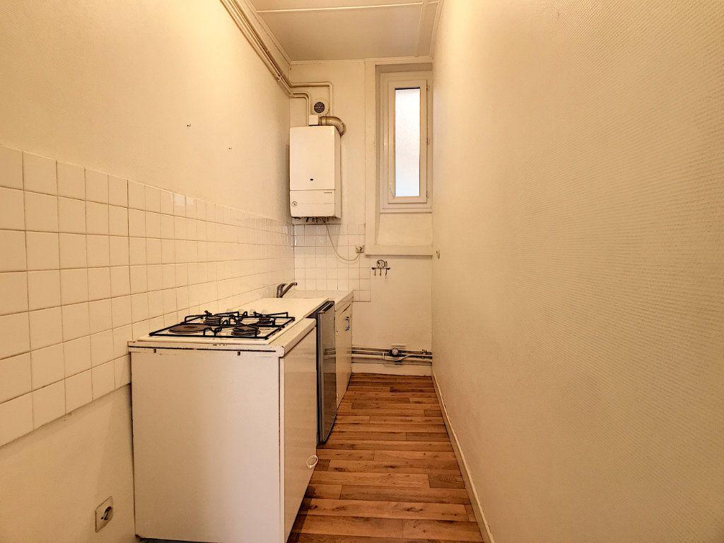 Appartement à louer 1 31.43m2 à Aurillac vignette-5