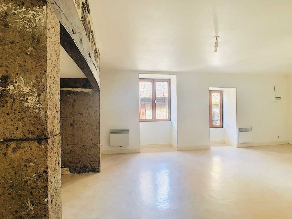 Appartement à louer 2 45m2 à Vic-sur-Cère vignette-4