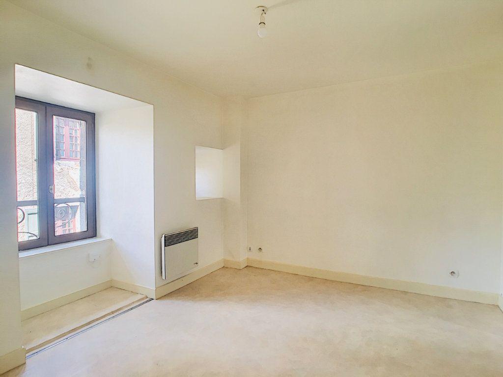 Appartement à louer 2 45m2 à Vic-sur-Cère vignette-5