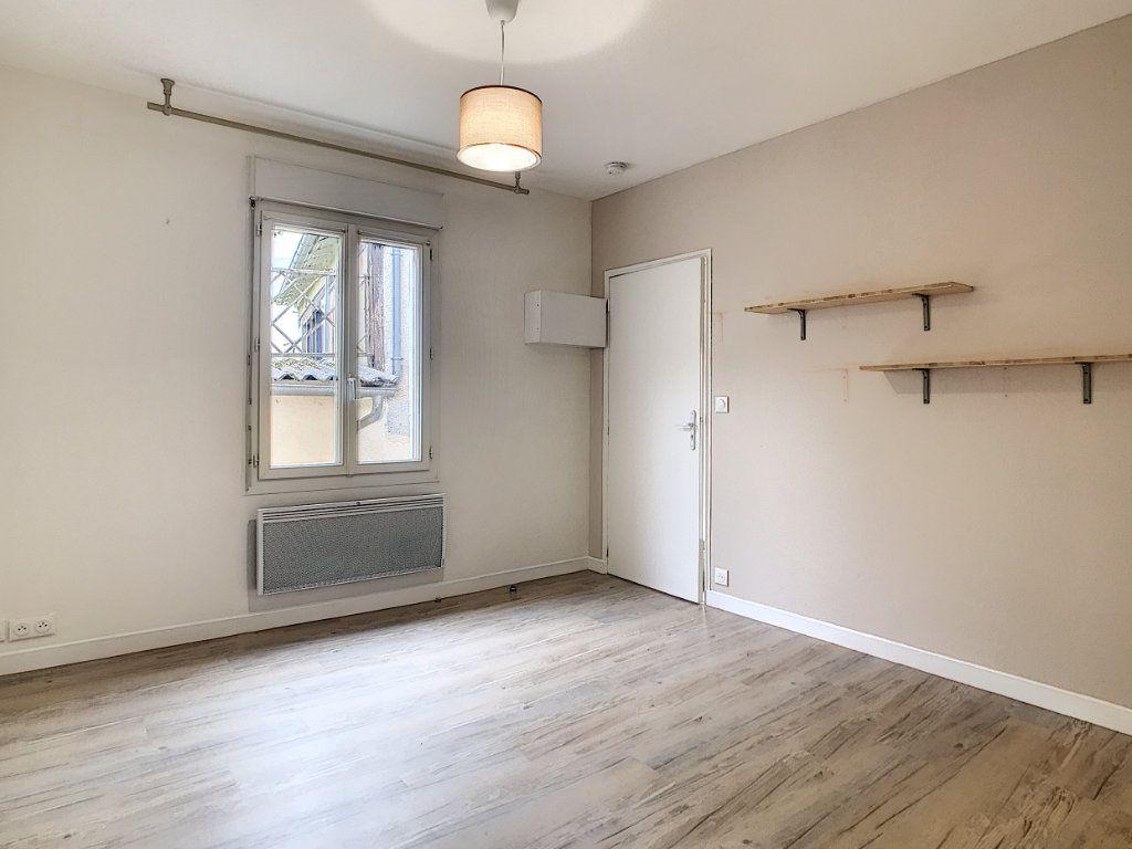 Appartement à louer 1 19.91m2 à Aurillac vignette-3