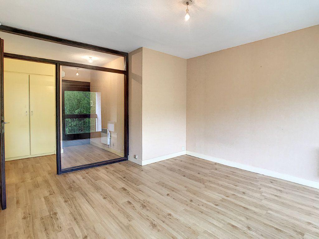 Appartement à louer 1 30.46m2 à Aurillac vignette-4