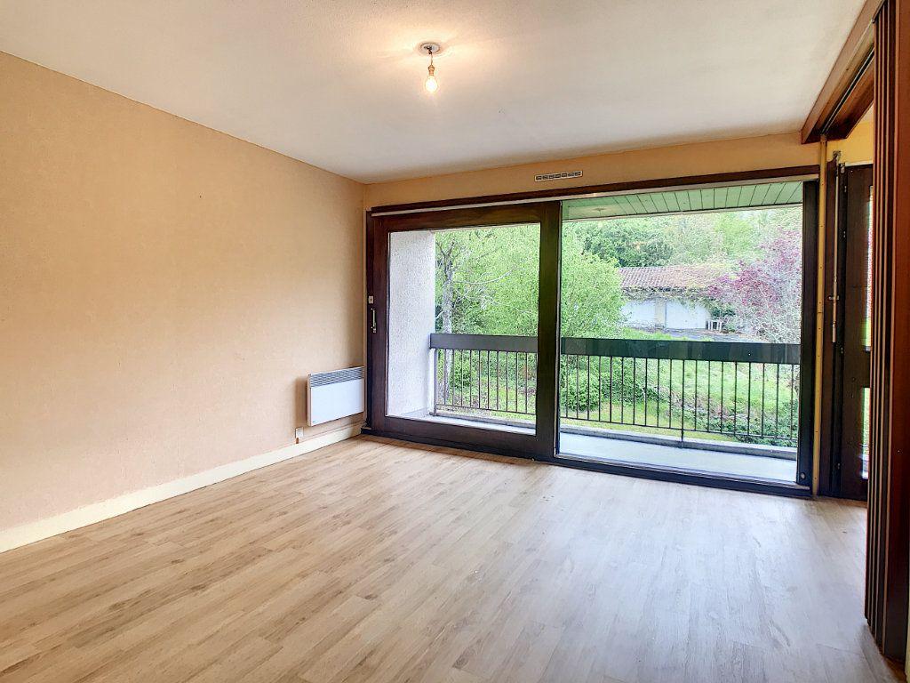 Appartement à louer 1 30.46m2 à Aurillac vignette-5