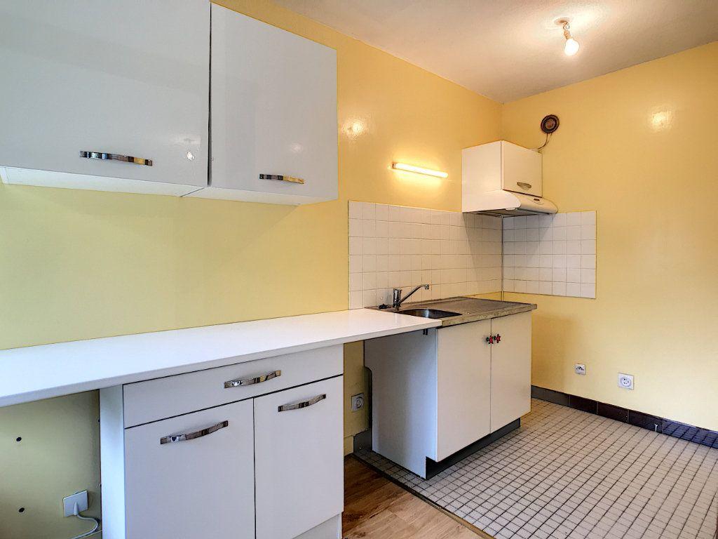 Appartement à louer 1 30.46m2 à Aurillac vignette-6