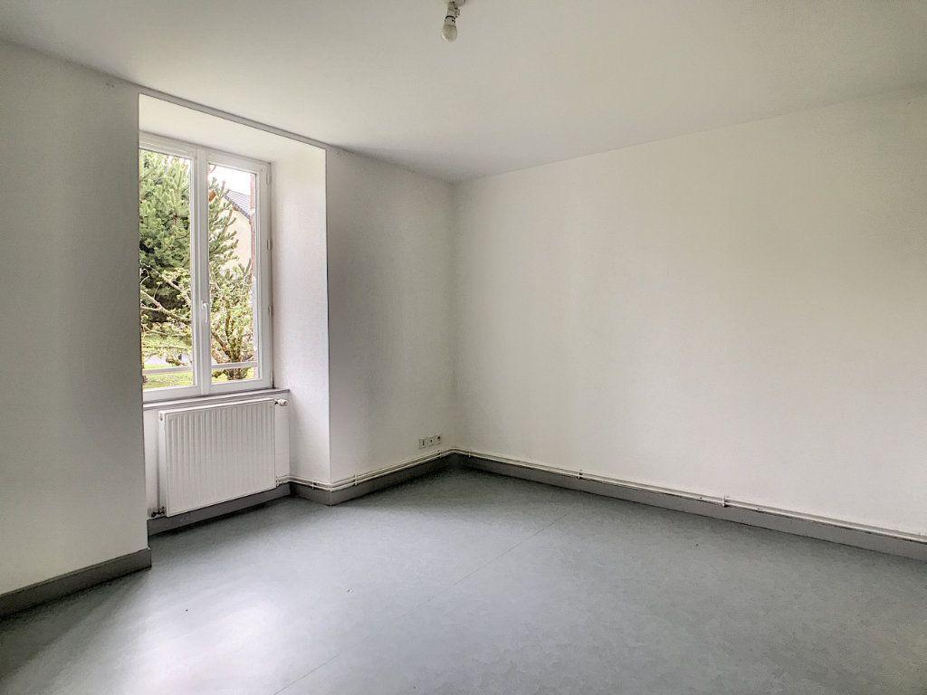 Appartement à louer 3 73.55m2 à Jussac vignette-5