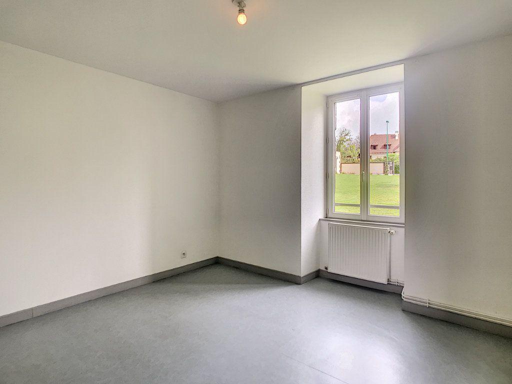 Appartement à louer 3 73.55m2 à Jussac vignette-6