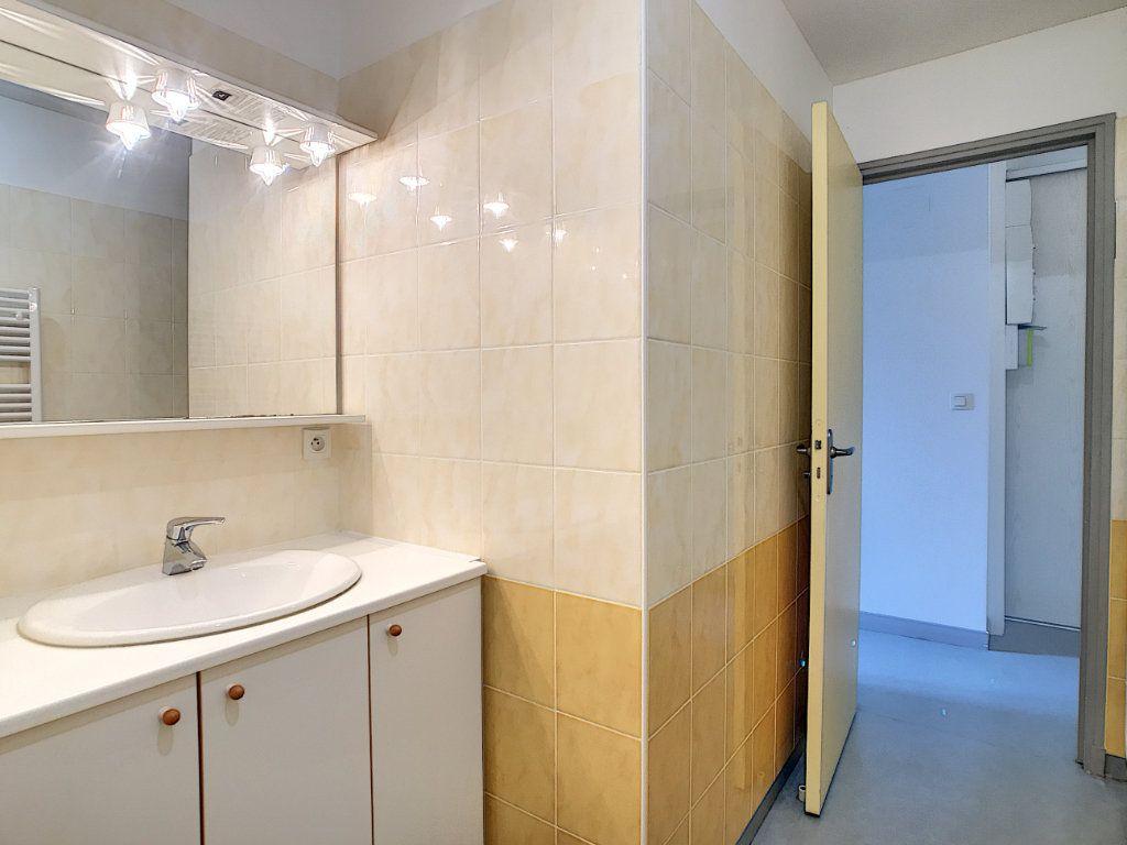 Appartement à louer 3 73.55m2 à Jussac vignette-9