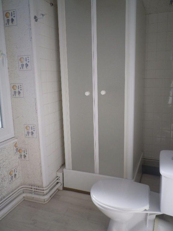 Appartement à louer 2 48.14m2 à Vic-sur-Cère vignette-6