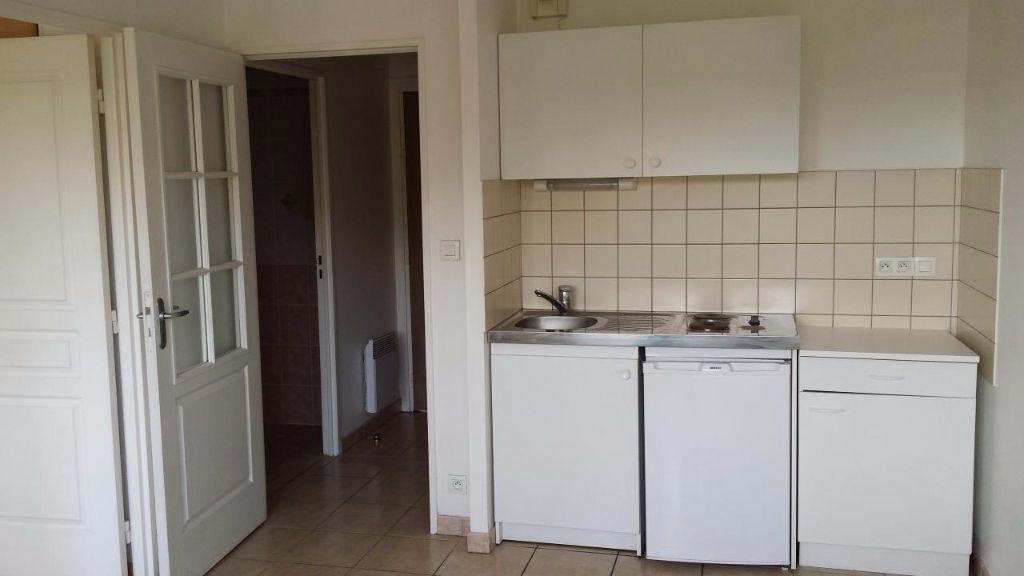 Appartement à louer 2 32.42m2 à Aurillac vignette-2