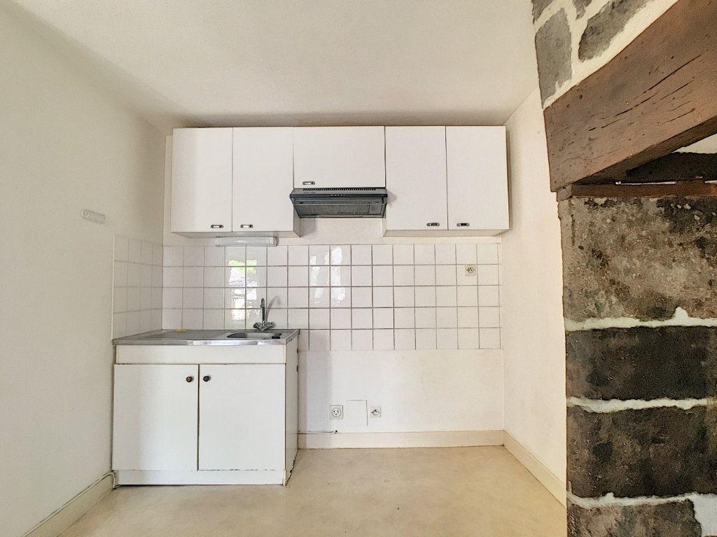 Appartement à louer 2 41m2 à Vic-sur-Cère vignette-4