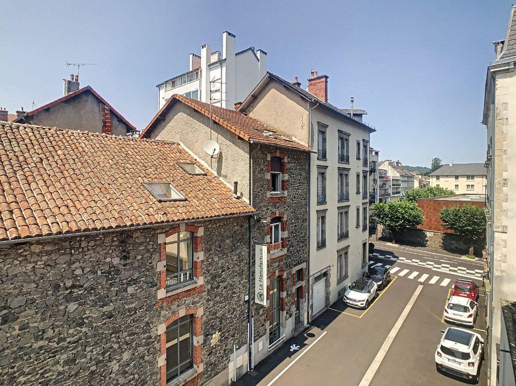 Appartement à louer 2 54.8m2 à Aurillac vignette-10