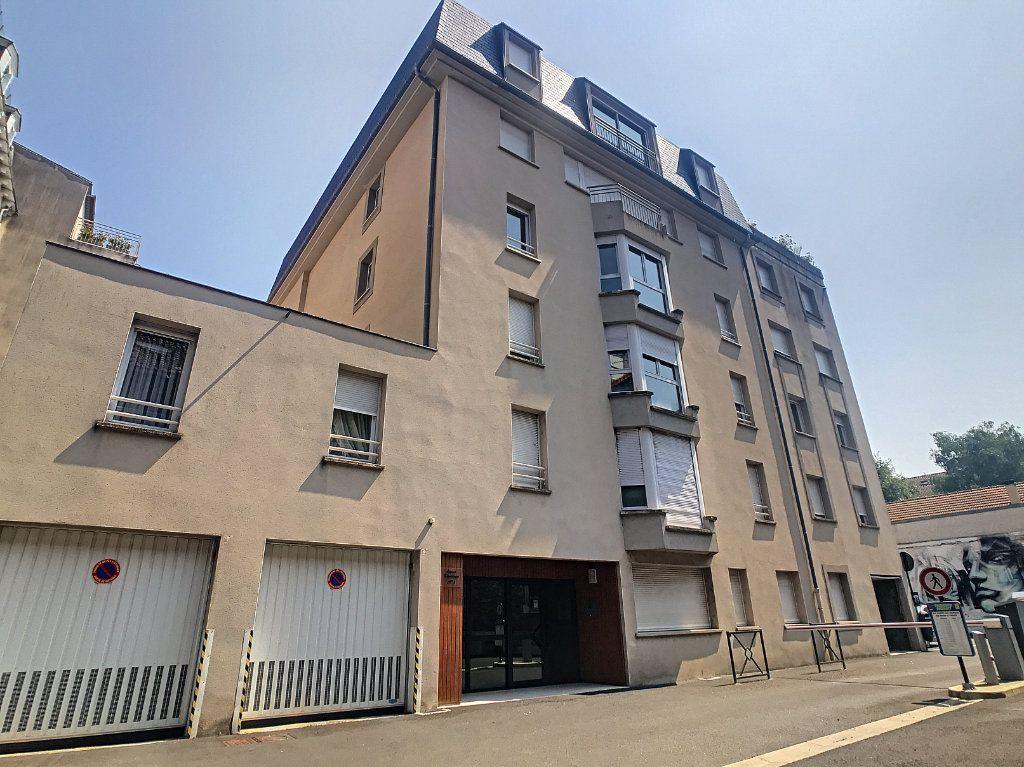 Appartement à louer 2 54.8m2 à Aurillac vignette-11