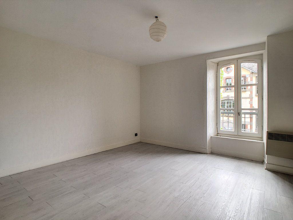Appartement à louer 2 45m2 à Aurillac vignette-4