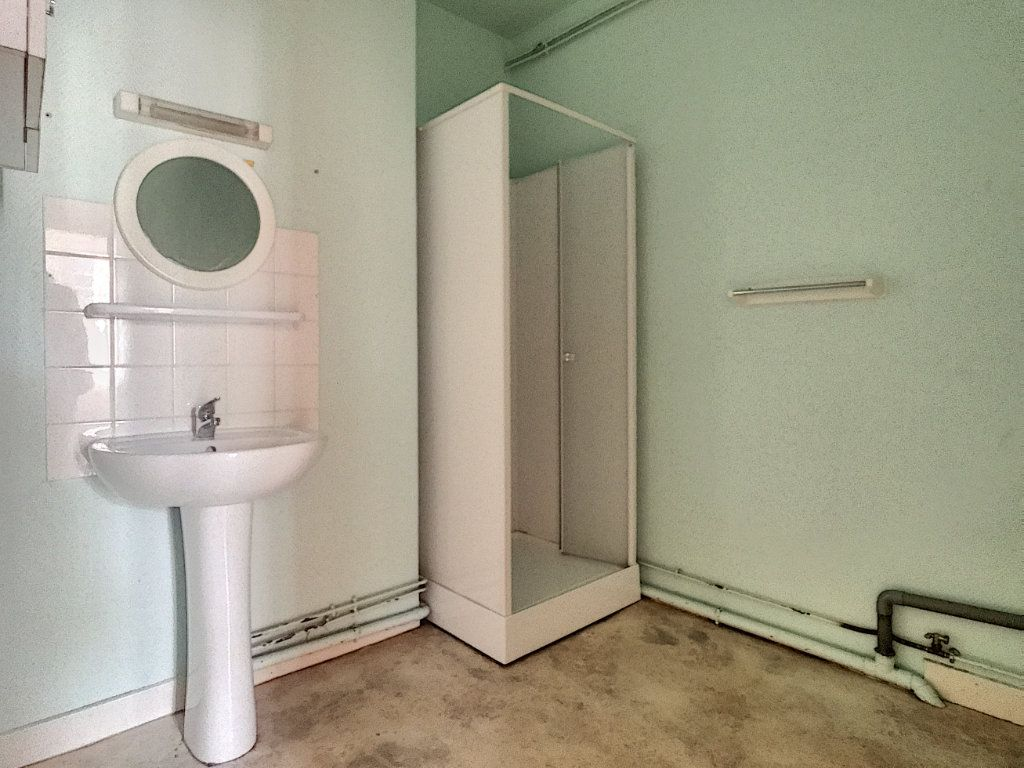 Appartement à louer 2 62m2 à Aurillac vignette-6