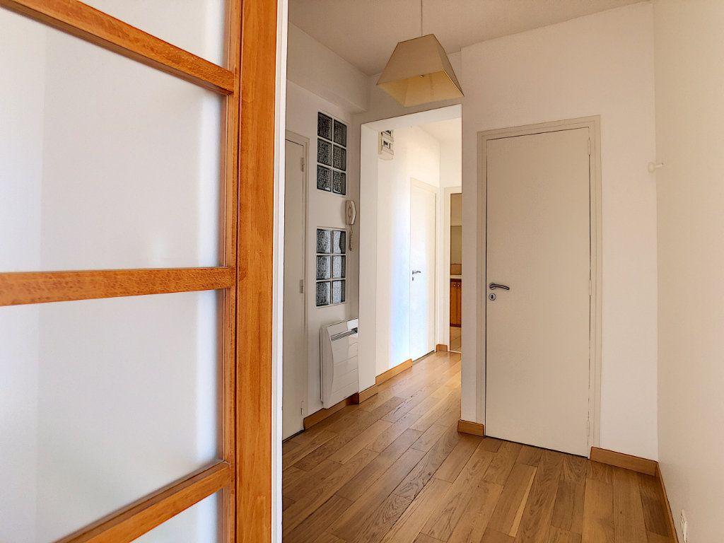Appartement à louer 3 71.04m2 à Aurillac vignette-7