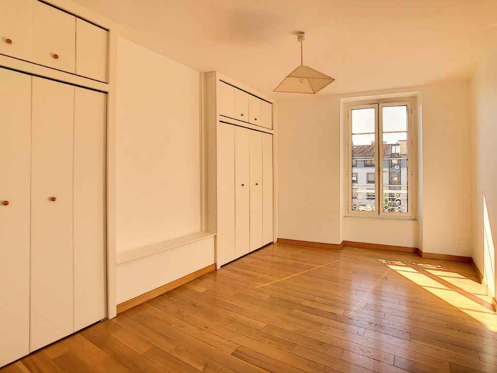 Appartement à louer 3 71.04m2 à Aurillac vignette-8
