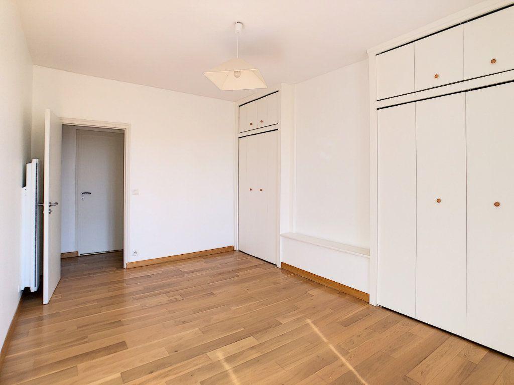 Appartement à louer 3 71.04m2 à Aurillac vignette-9