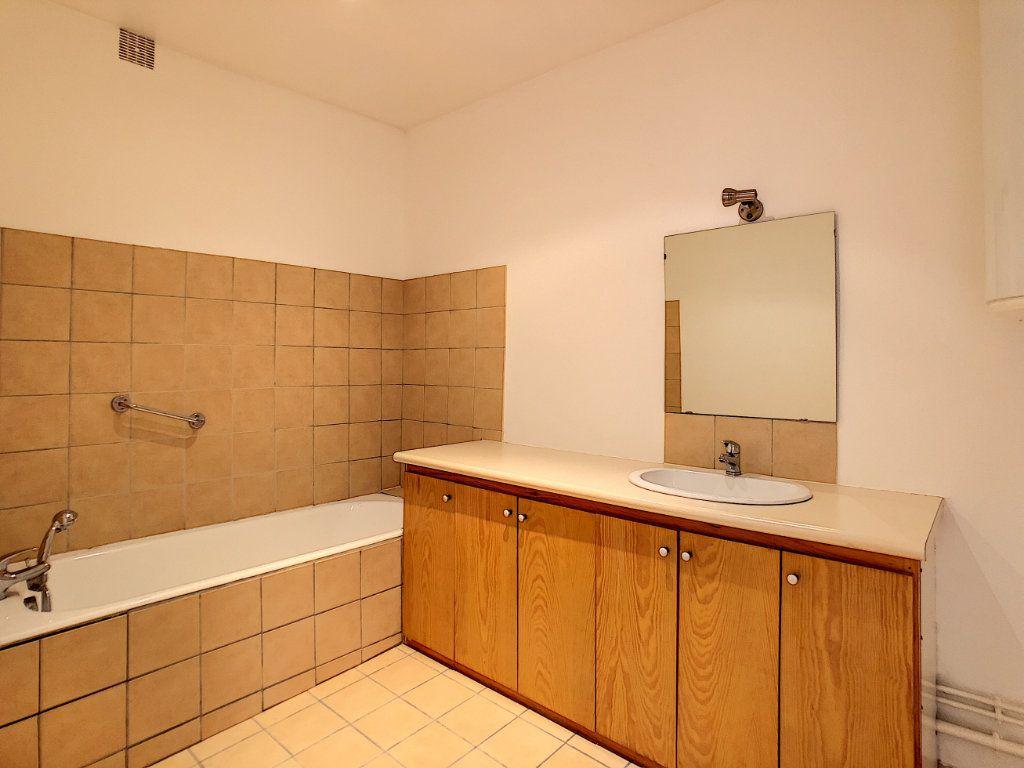 Appartement à louer 3 71.04m2 à Aurillac vignette-10