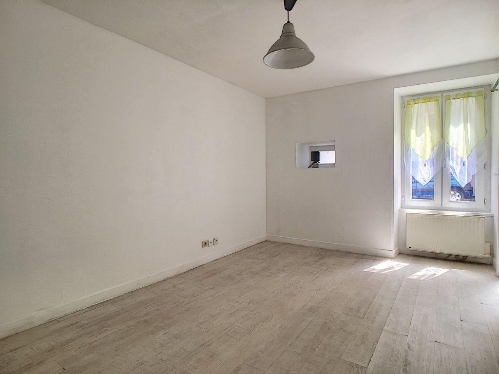 Appartement à louer 1 23.03m2 à Aurillac vignette-3