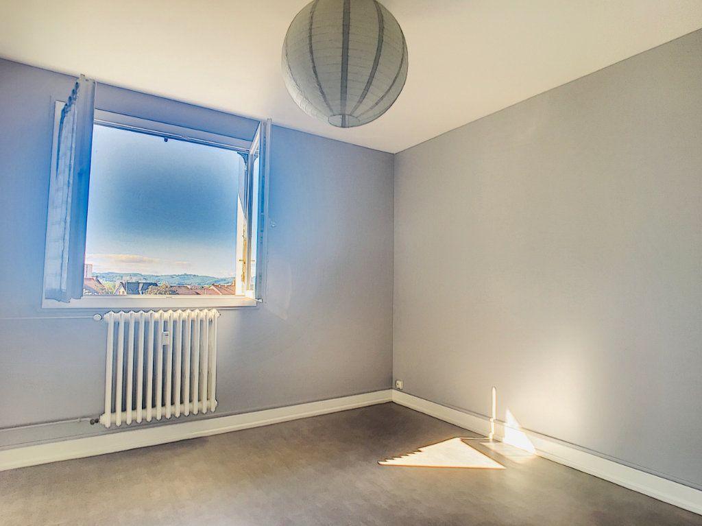 Appartement à louer 3 65.5m2 à Aurillac vignette-4
