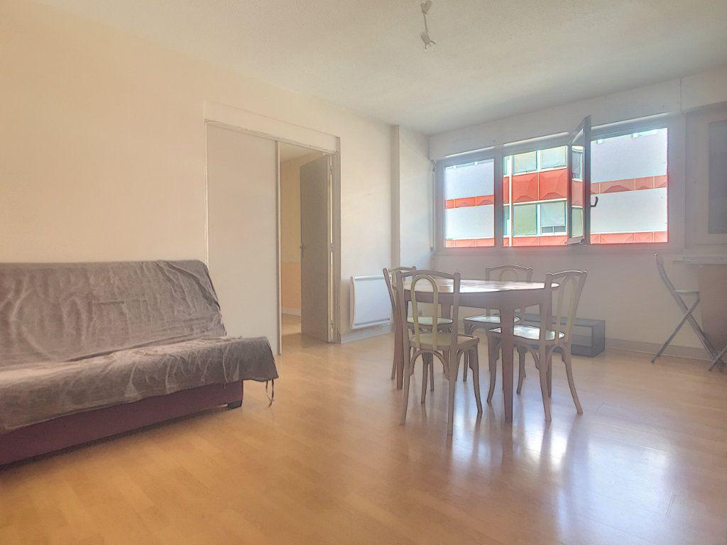 Appartement à vendre 2 41m2 à Aurillac vignette-2