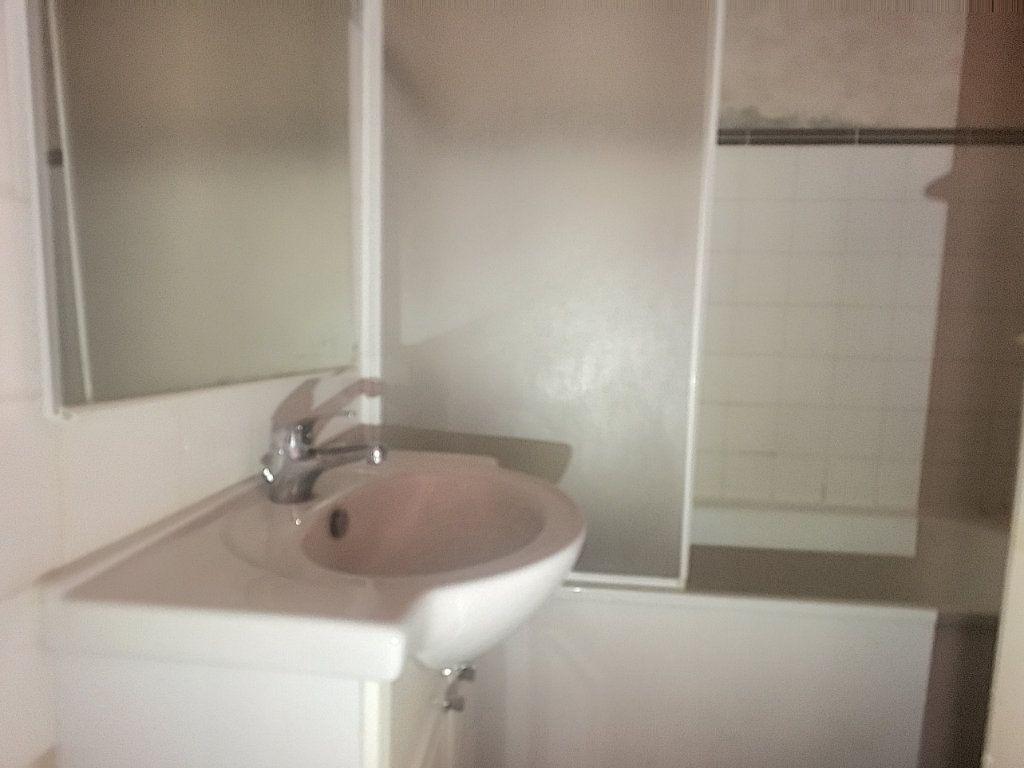 Appartement à vendre 2 41m2 à Aurillac vignette-7