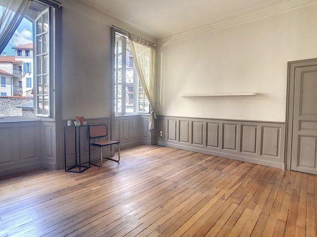 Appartement à louer 1 37.13m2 à Aurillac vignette-3