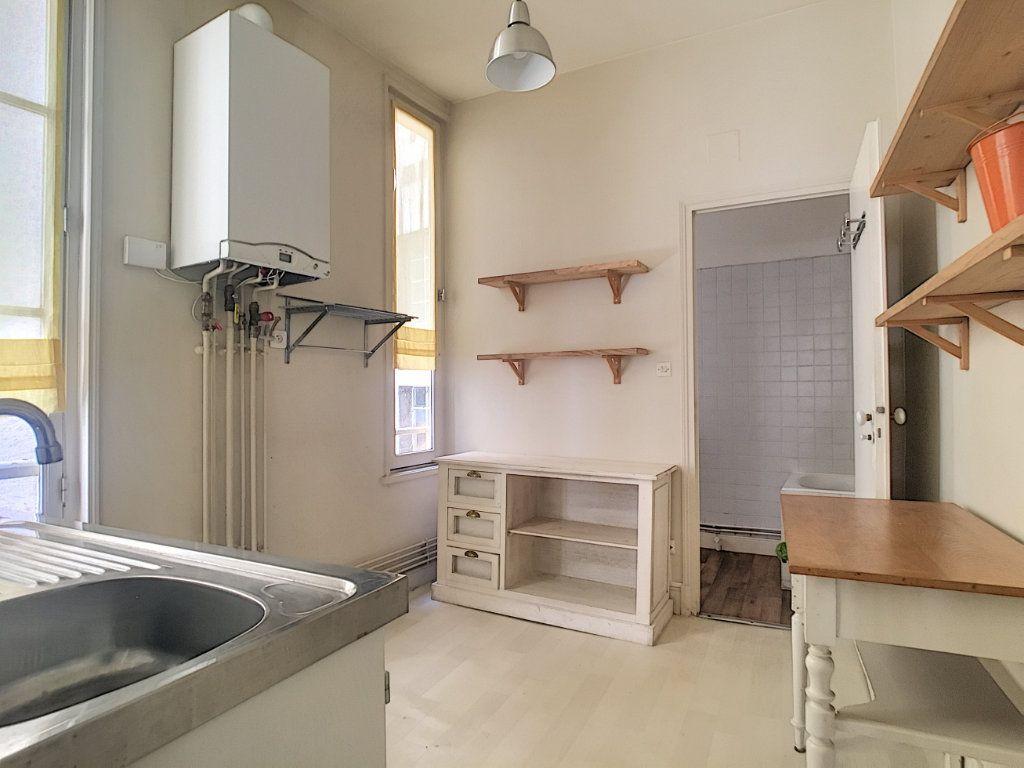 Appartement à louer 1 37.13m2 à Aurillac vignette-6
