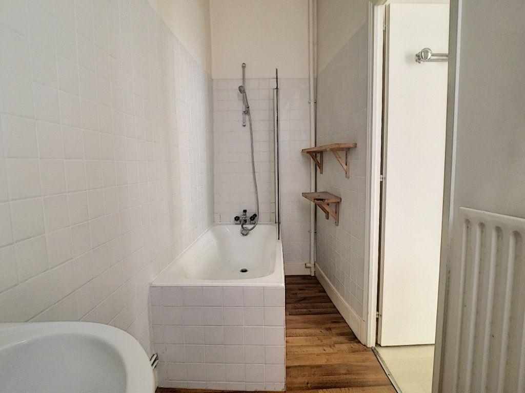 Appartement à louer 1 37.13m2 à Aurillac vignette-7