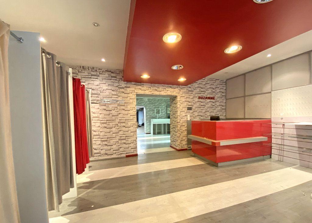 Maison à vendre 10 500m2 à Aurillac vignette-3