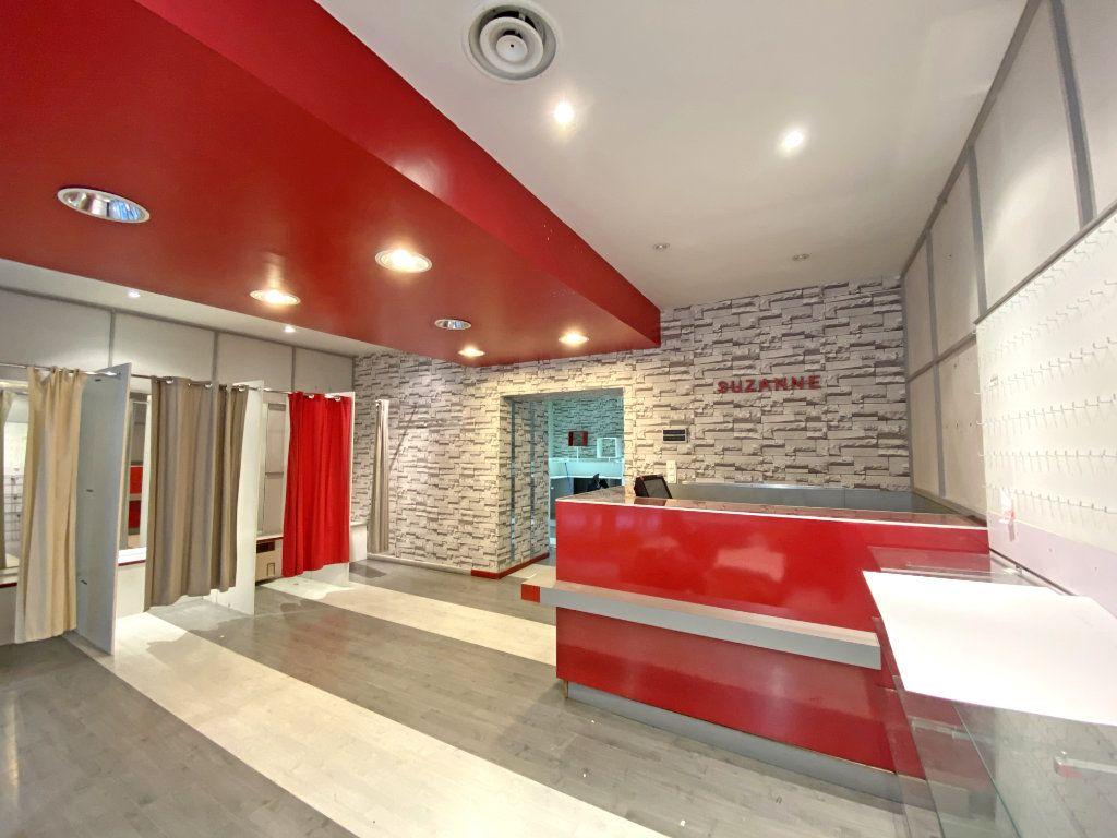 Maison à vendre 10 500m2 à Aurillac vignette-4